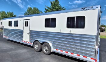 2021 4-Star 6 Horse Trailer w Dress Area full