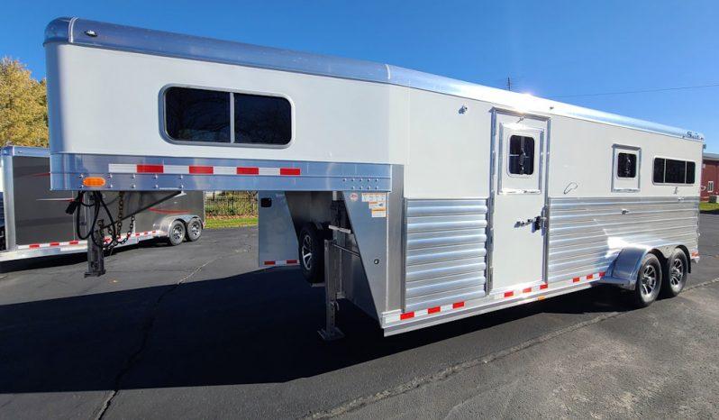 2022 4-Star 2+1 Horse Trailer w Larger Warmblood Stalls full